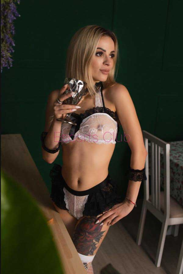 Nicole EscortsClub
